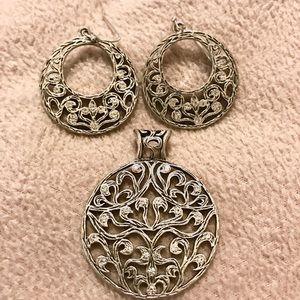 Earings and necklace enhancer